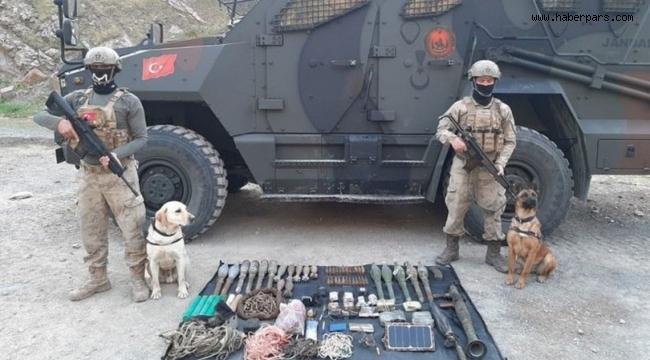Jandarmamız Hakkaride Destan Yazıyor.